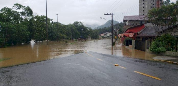 Mais de mil pessoas foram afetadas pela enchente de Timbó
