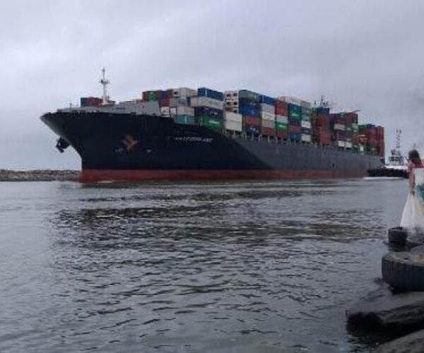 Ciclone fecha portos de Itajaí e Navegantes e trará prejuízos em dólar