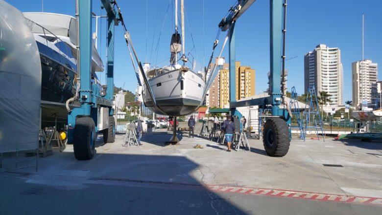 Temporada de manutenção de barcos movimenta economia brasileira